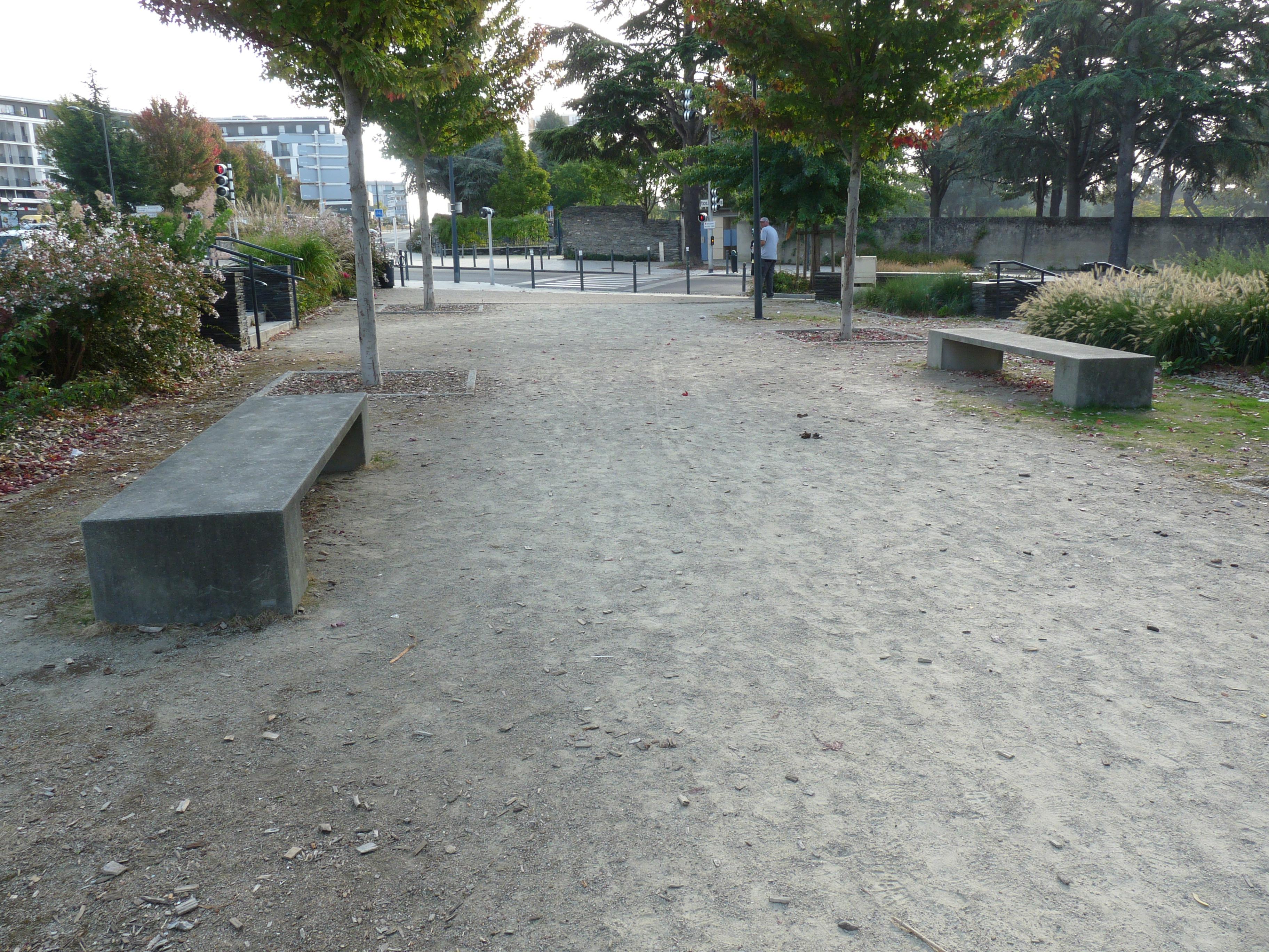 banc en pierre reconstituée - charte du paysage urbain - angers